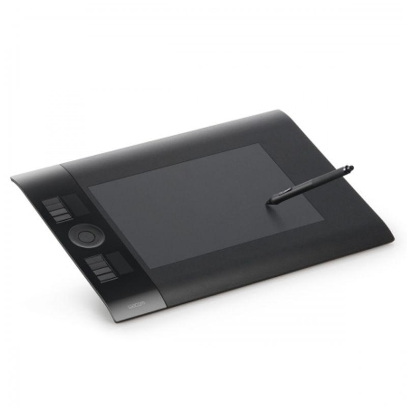 intuos4-wireless-8-x5-ptk-540wl-en-18325-3