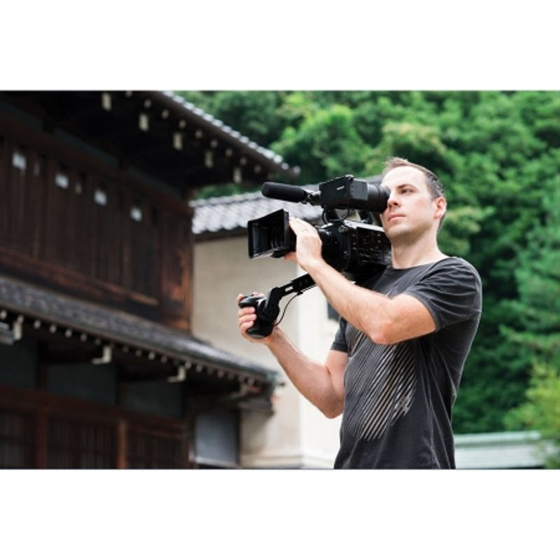 sony-pxw-fs7-kit-fe-pz-28-135mm-f-4-g-oss-camera-video-super-35--xdcam--45889-6