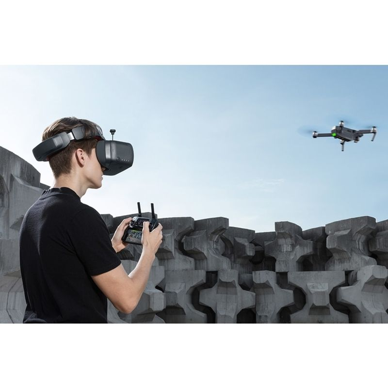 dji-goggles-racing-edition-carry-more-backpack-66569-6-560