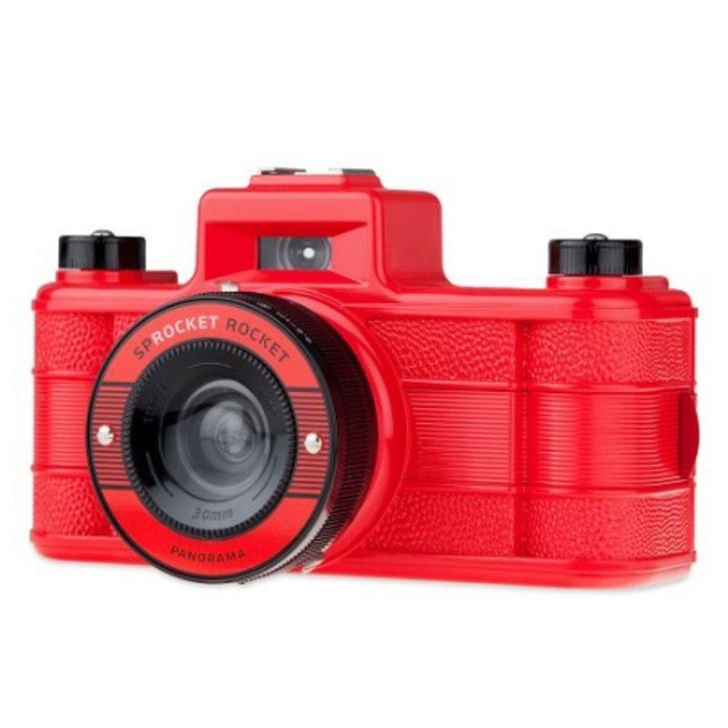 lomography-sprocket-rocket-rosu-aparat-pe-film-format-panoramic-27606-1