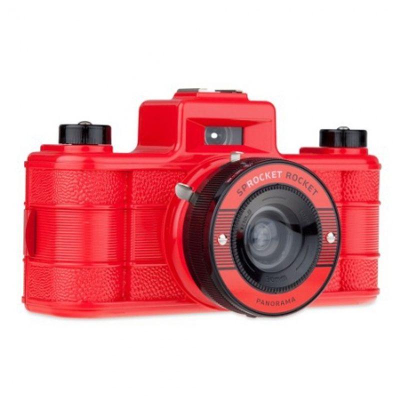 lomography-sprocket-rocket-rosu-aparat-pe-film-format-panoramic-27606-2