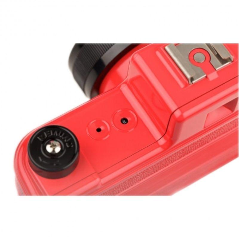 lomography-sprocket-rocket-rosu-aparat-pe-film-format-panoramic-27606-3