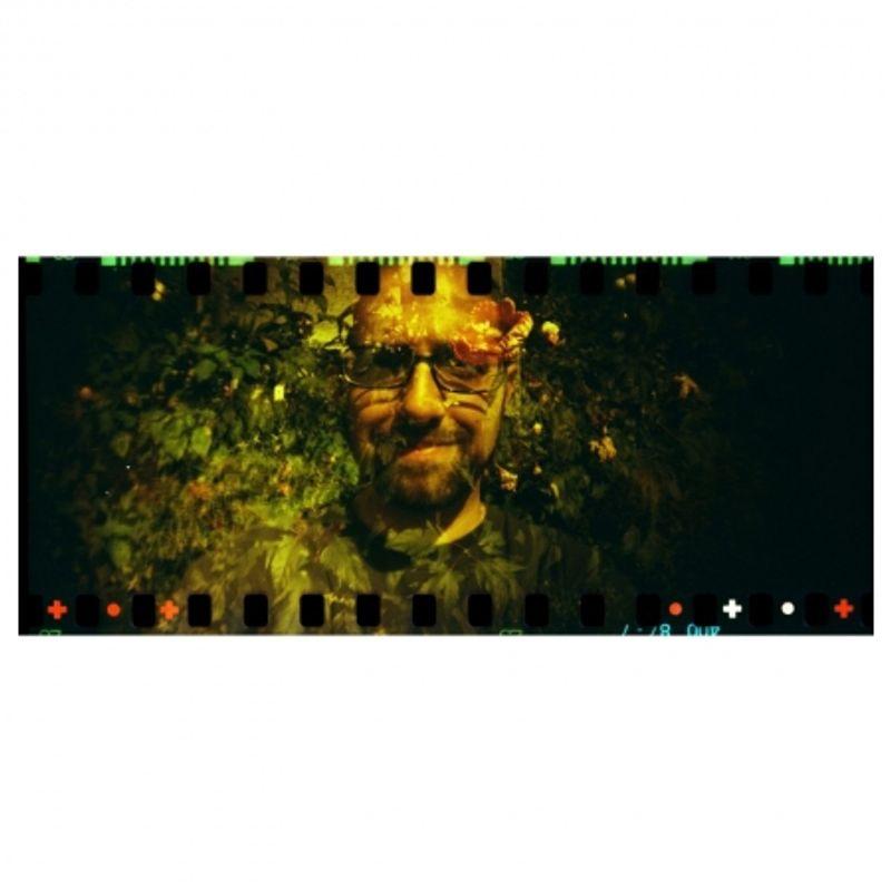 lomography-sprocket-rocket-rosu-aparat-pe-film-format-panoramic-27606-5