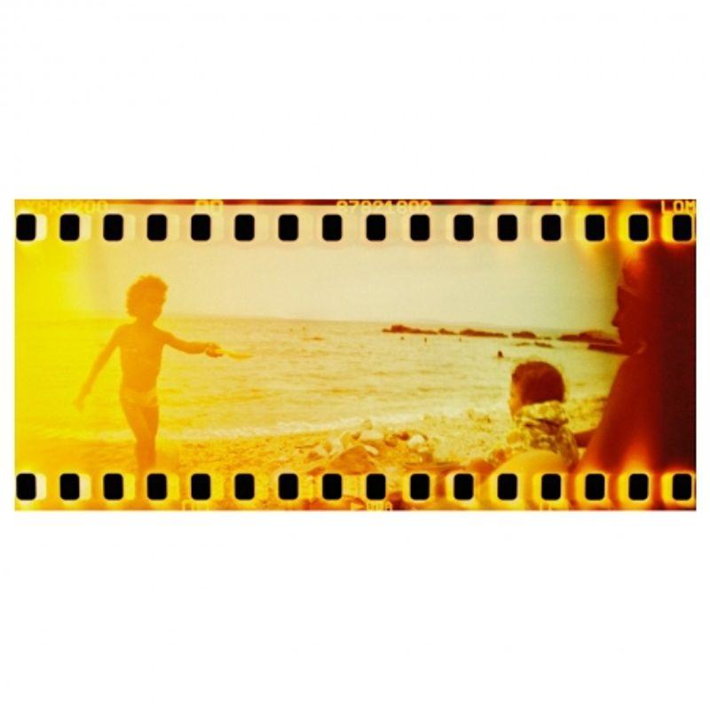 lomography-sprocket-rocket-rosu-aparat-pe-film-format-panoramic-27606-7