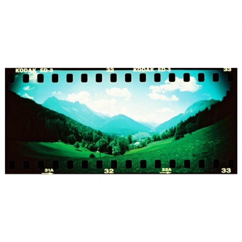 lomography-sprocket-rocket-rosu-aparat-pe-film-format-panoramic-27606-8