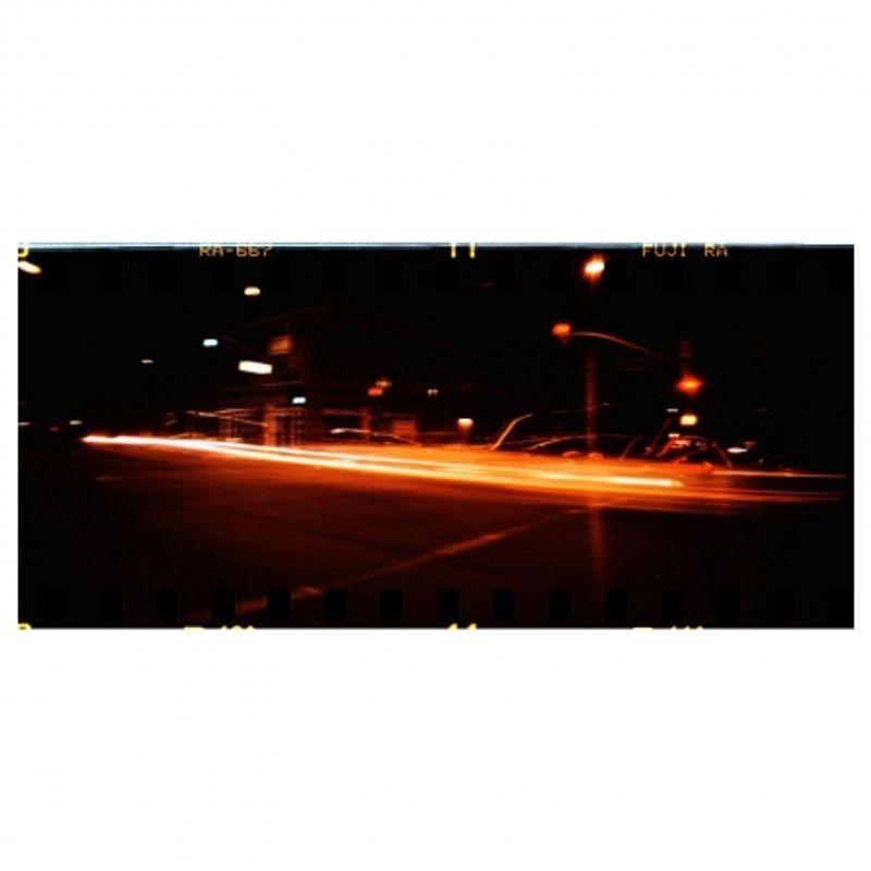 lomography-sprocket-rocket-rosu-aparat-pe-film-format-panoramic-27606-9