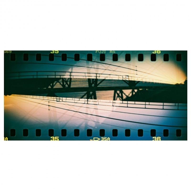 lomography-sprocket-rocket-rosu-aparat-pe-film-format-panoramic-27606-10