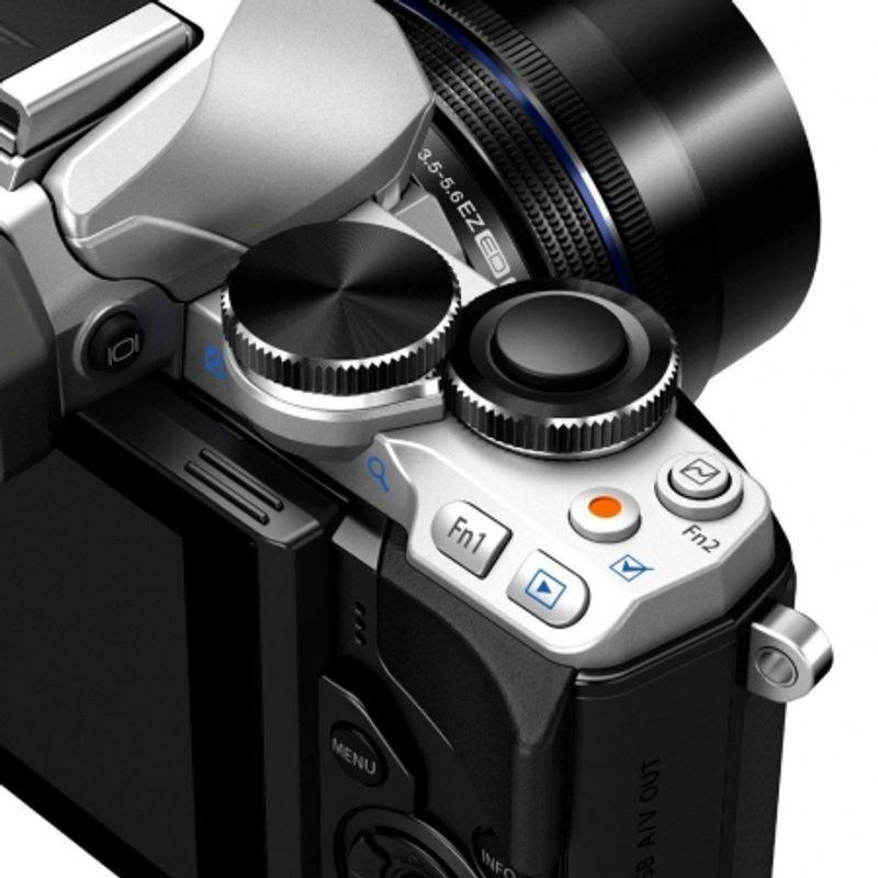 olympus-om-d-e-m10-kit-cu-14-42mm-argintiu-31858-13