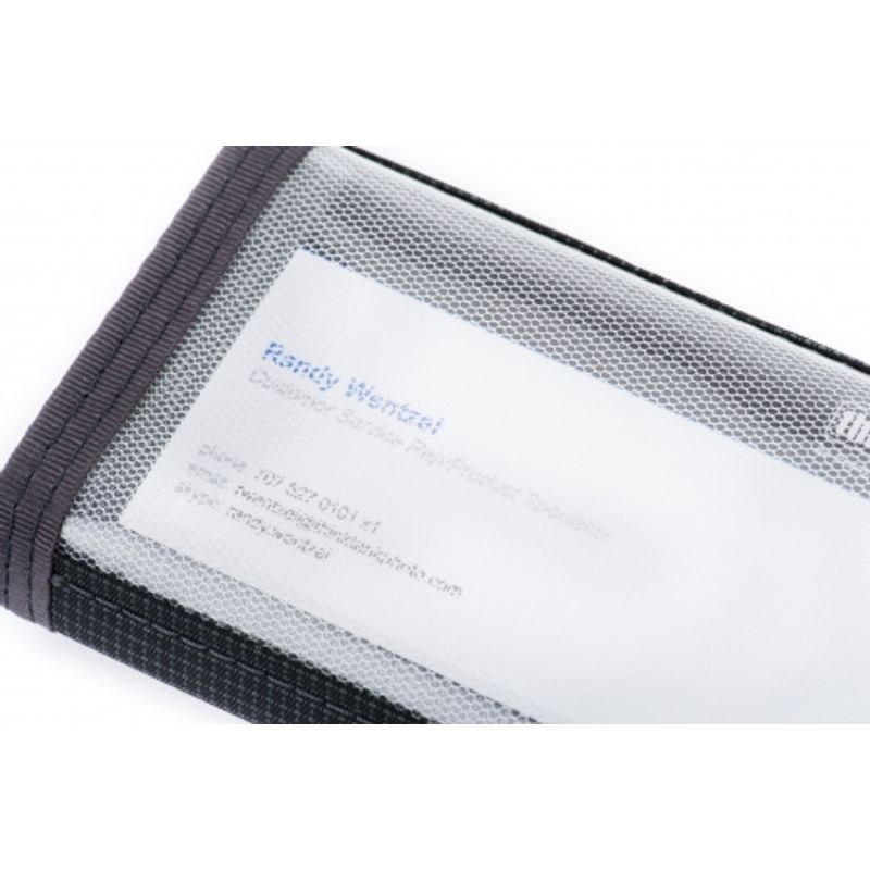 think-tank-pixel-pocket-rocket-editie-limitata-portmoneu-carduri-26302-2