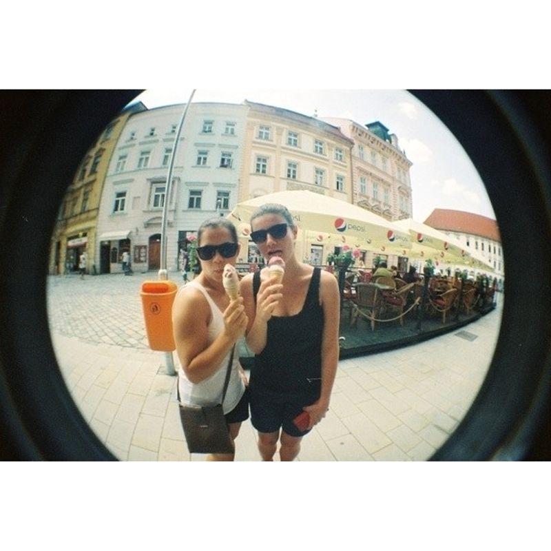 lomography-fisheye-2-brazilian-summer-aparat-foto-film--52002-277-139