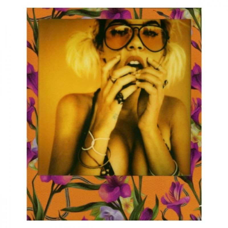 impossible-prd3289-poisoned-paradise-edition-fuchsia-film-instant-polaroid-600-37448-1