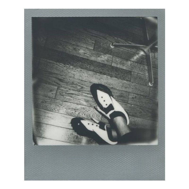 impossible-b-w-film-instant-pentru-polaroid-600-rama-argintie-39517-2-652