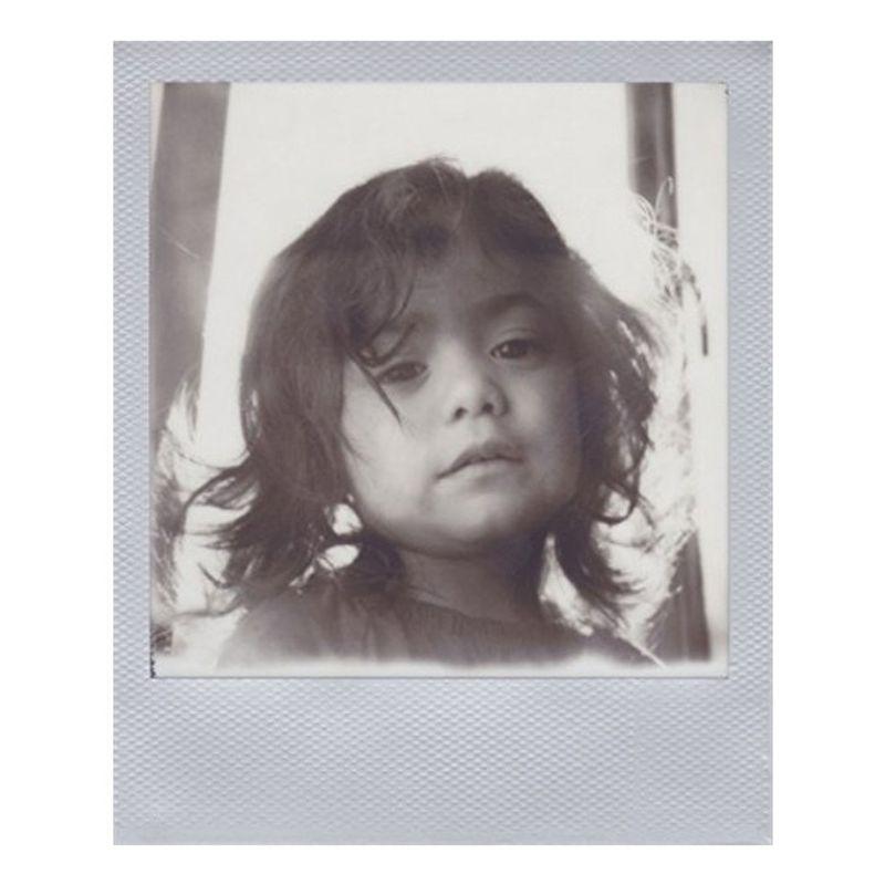 impossible-b-w-film-instant-pentru-polaroid-600-rama-argintie-39517-1-942