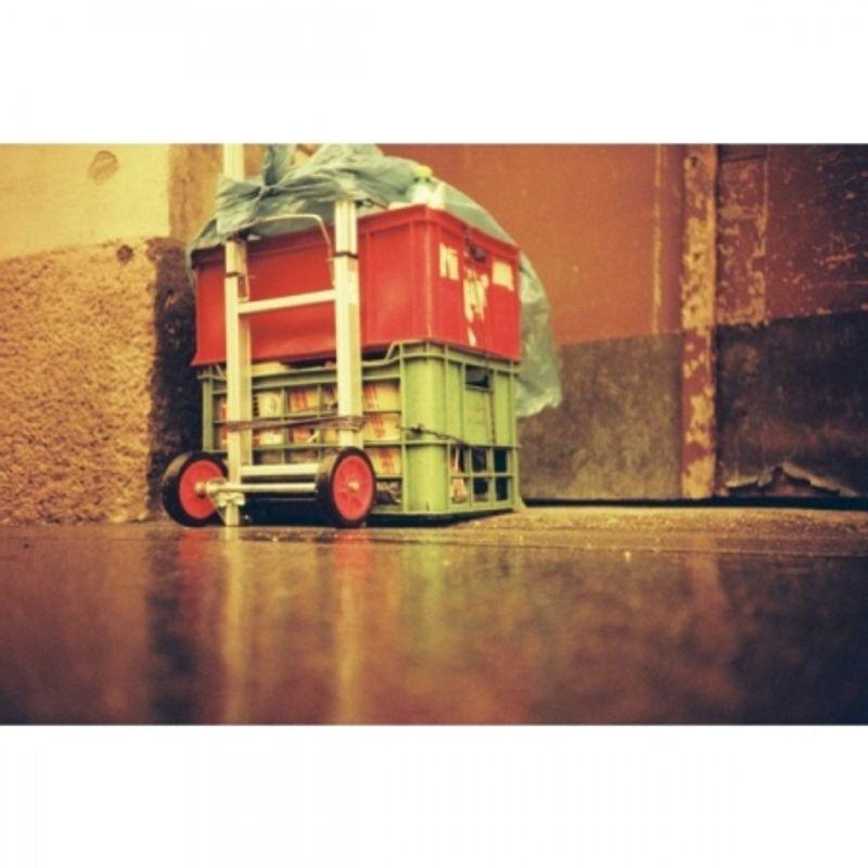 lomography-redscale-xr-50-200-film-negativ-color--iso-variabil-50-200---35-mm--pachet-3-bucati-41160-1-684