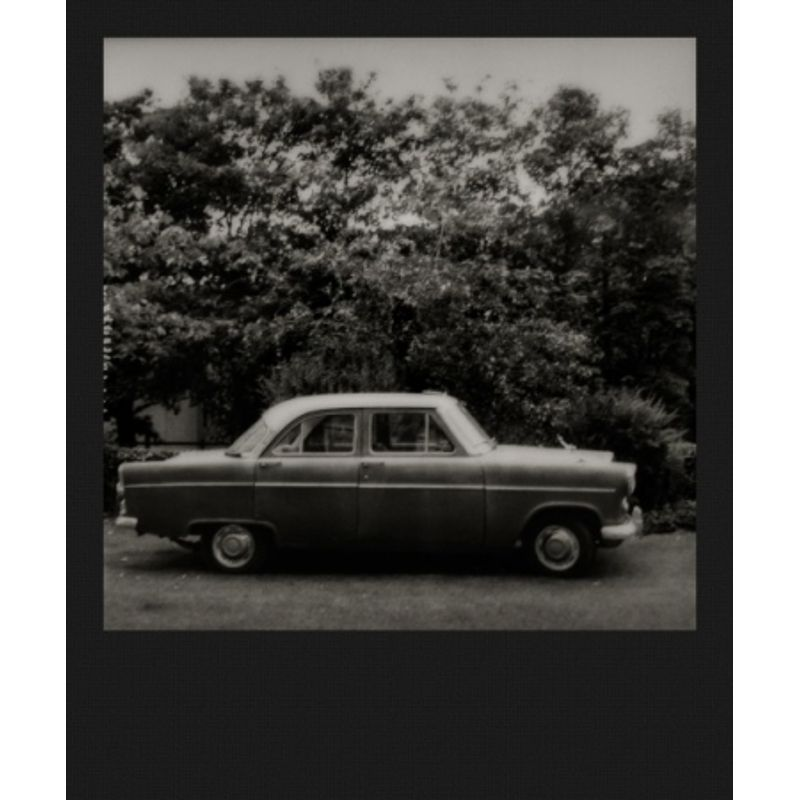 impossible-sx-70-b-w-black-frame-film-pentru-polaroid-sx-70-42635-1-741
