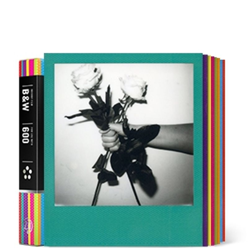 impossible-b-w-2-0-film-instant-pentru-polaroid-600-rama-hard-color-45819-418
