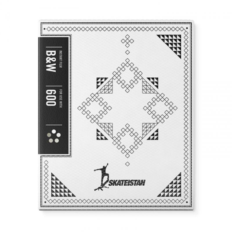 impossible-b-w-2-0-film-instant-pentru-polaroid-600-skateistan-edition-45820-757