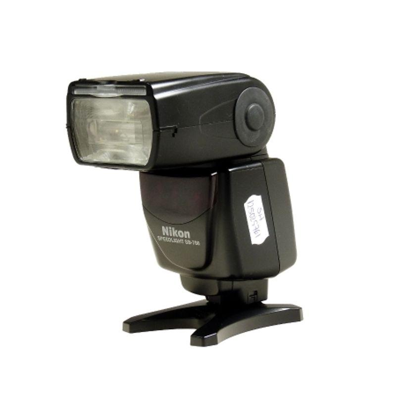 sh-nikon-speedlight-sb-700-sh-125025760-49636-1-557