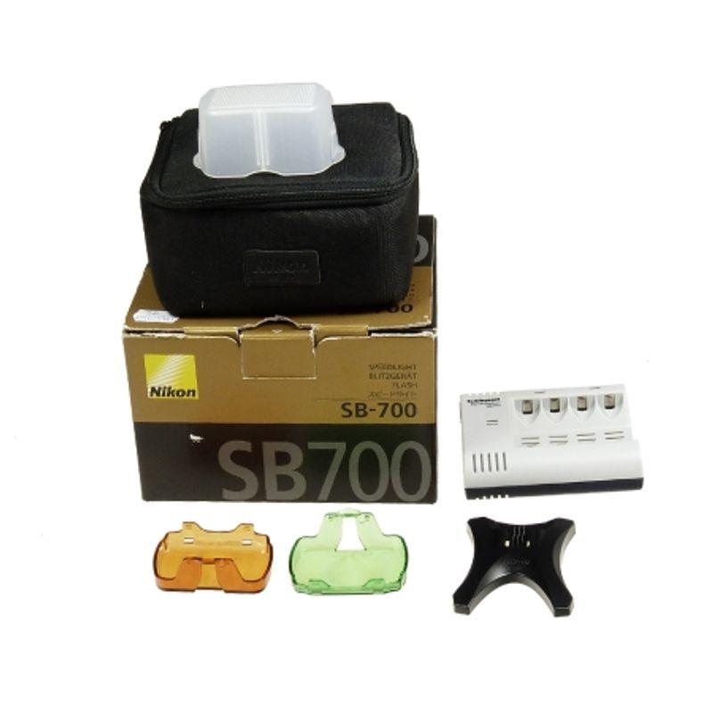 sh-nikon-speedlight-sb-700-sh-125025760-49636-4-272