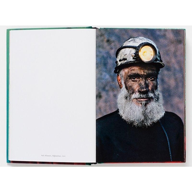steve-mccurry--portraits--2nd-edition-51021-2-320