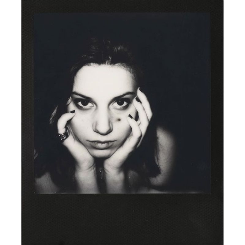 polaroid-impossible-film-b-w-pentru-polaroid-600--black-frame-52034-2-64