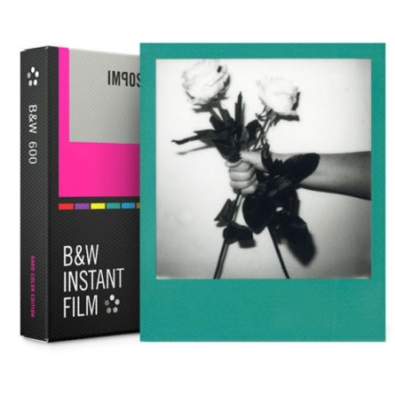 polaroid-impossible-film-color-b-w-pentru-600--hard-color-frames-52036-228