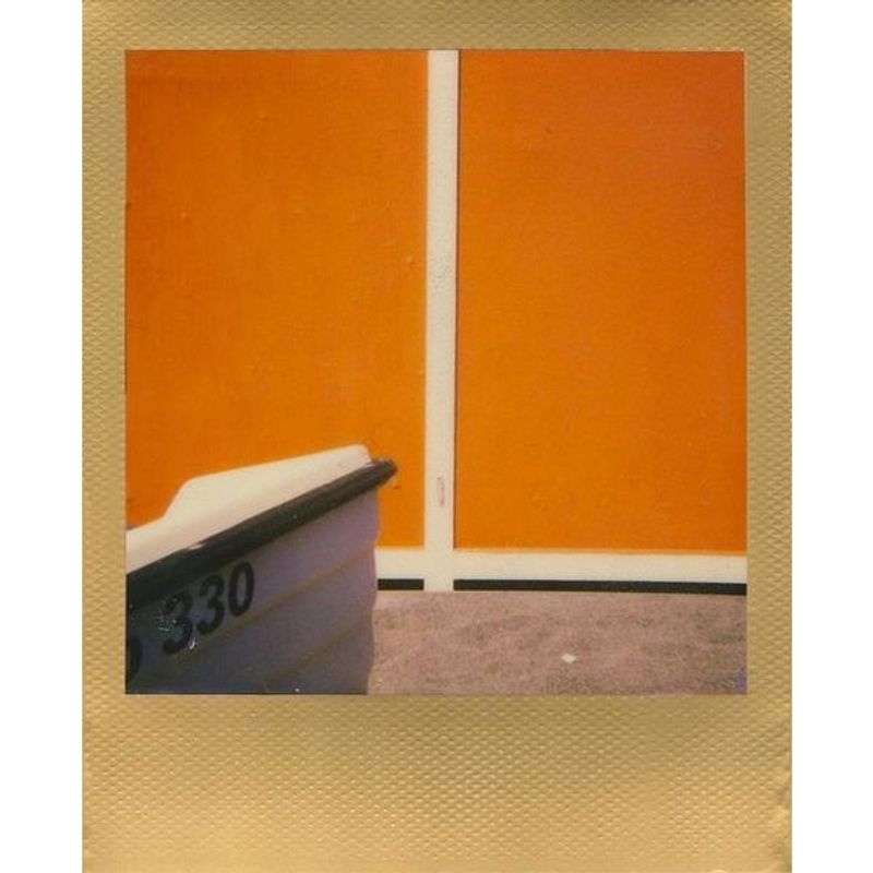 polaroid-impossible-film-color-pentru-600--gold-frame-52042-3-196