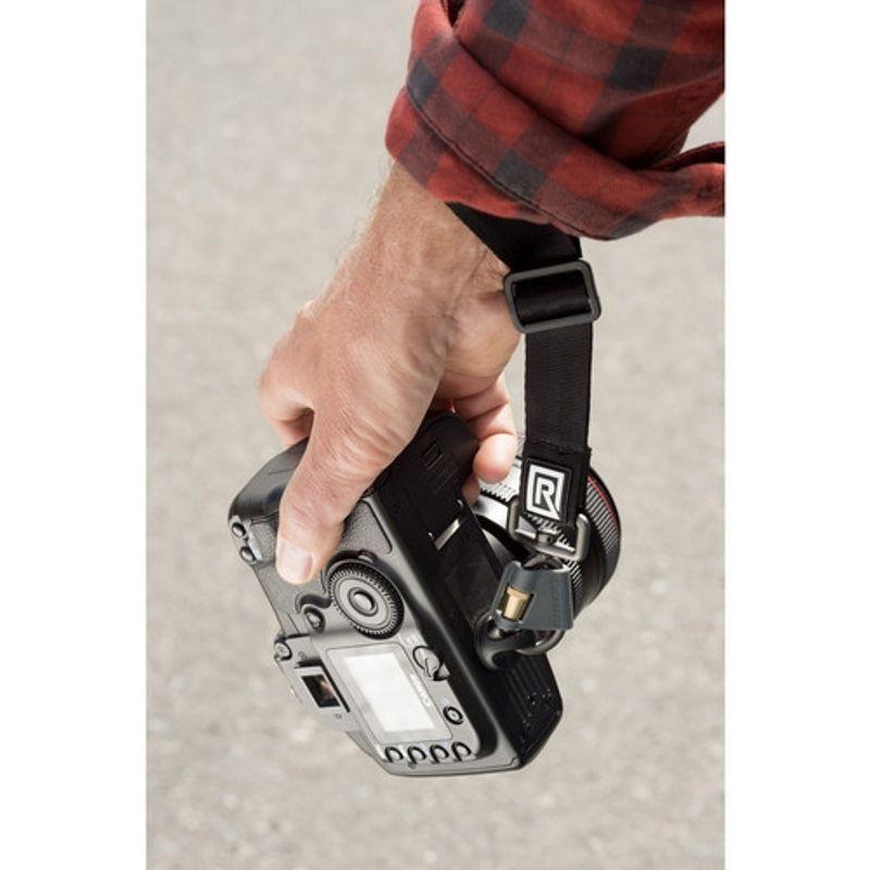 blackrapid-wrist-strap-breathe-curea-de-mana-54791-3-338