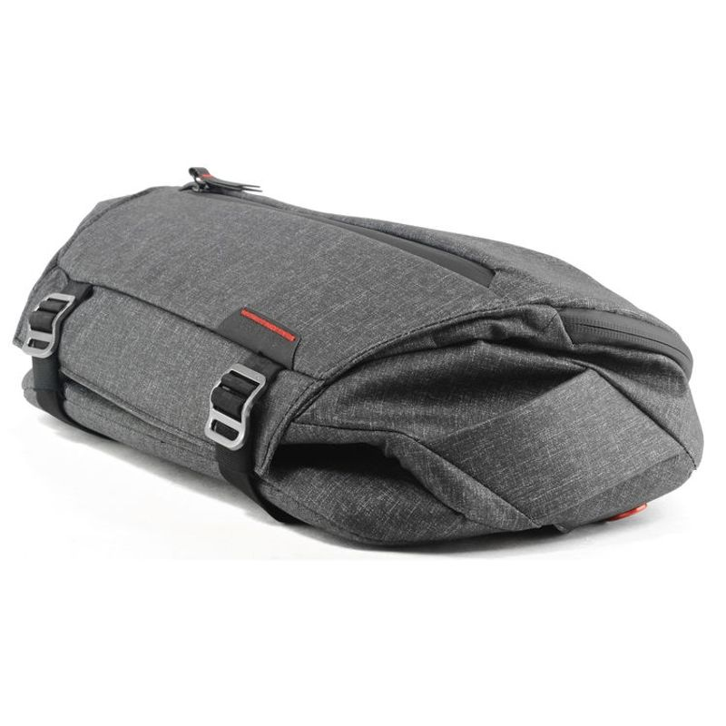 peak-design-everyday-sling-geanta-foto-10l--charcoal-62714-1-580