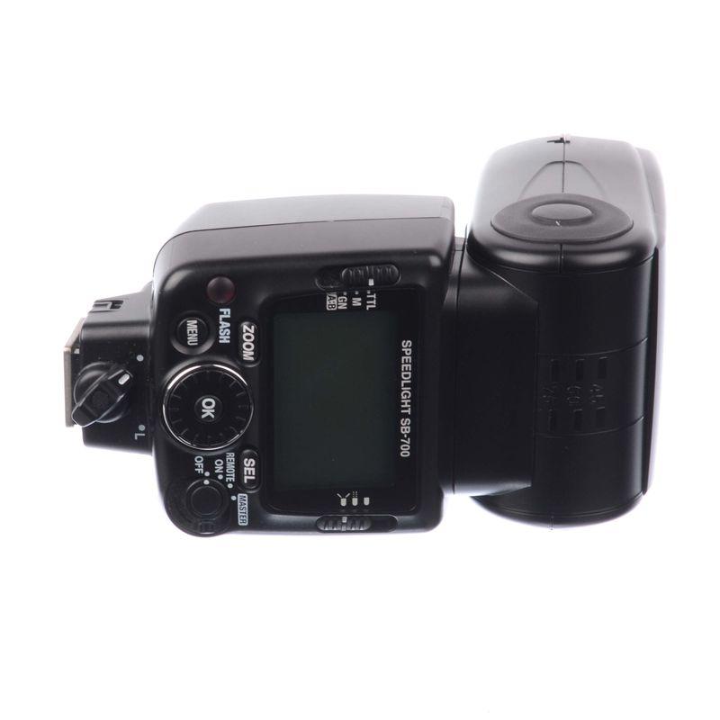 sh-nikon-speedlight-sb-700-sh-125039392-67345-1-495