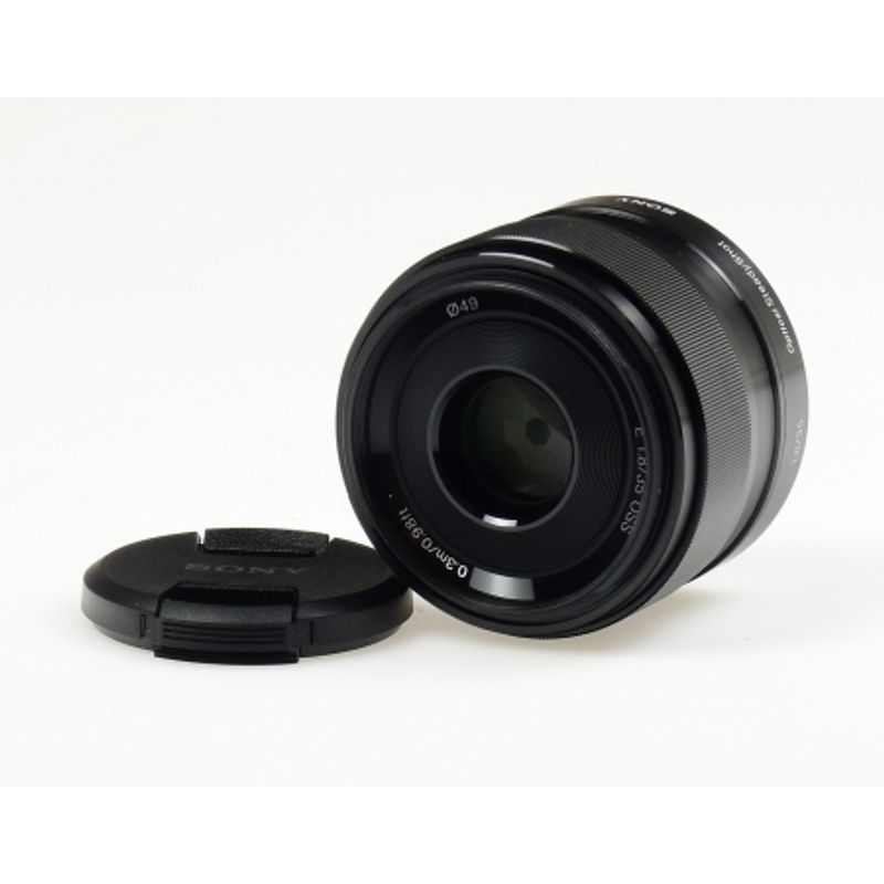 sony-e-mount-sel-35mm-f1-8-oss-23736-2