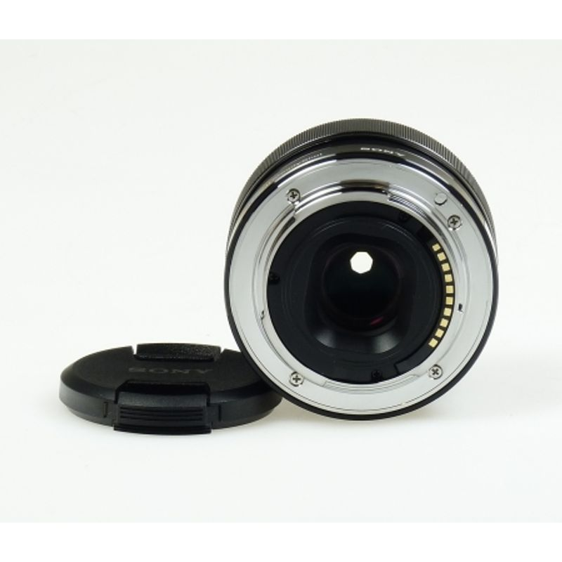 sony-e-mount-sel-35mm-f1-8-oss-23736-3