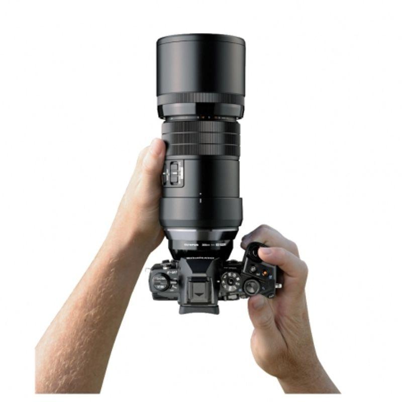 olympus-m-zuiko-digital-ed-300mm-1-4-is-pro-negru-48077-2-587