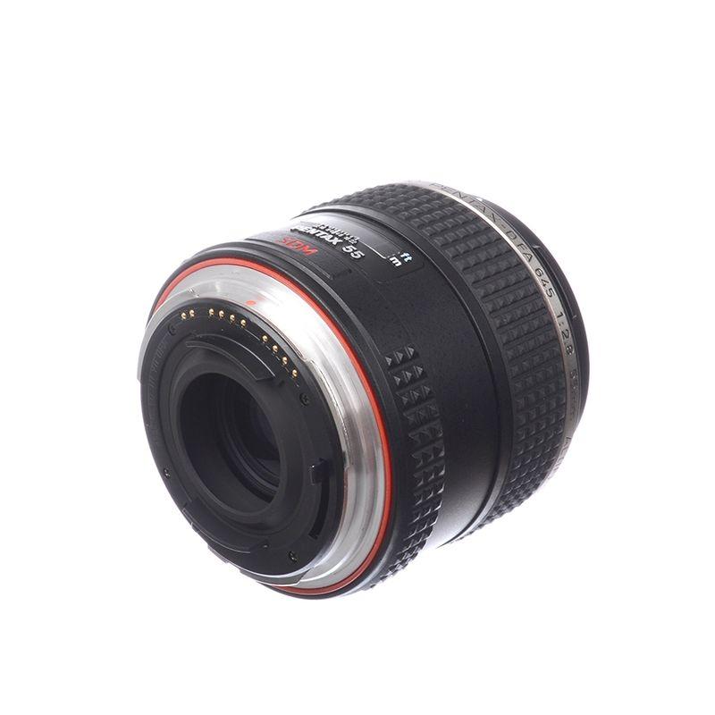 pentax-645z-pentax-d-fa-55mm-f-2-8-sdm-aw-sh7110-1-61535-566-969