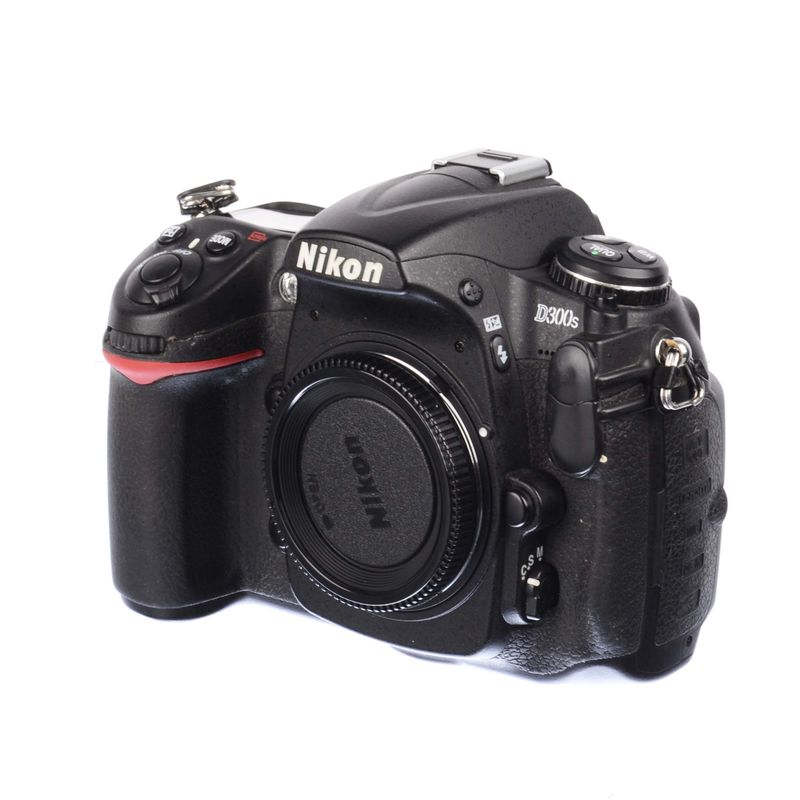 nikon-d300s-body-sh125036696-63436-2-935