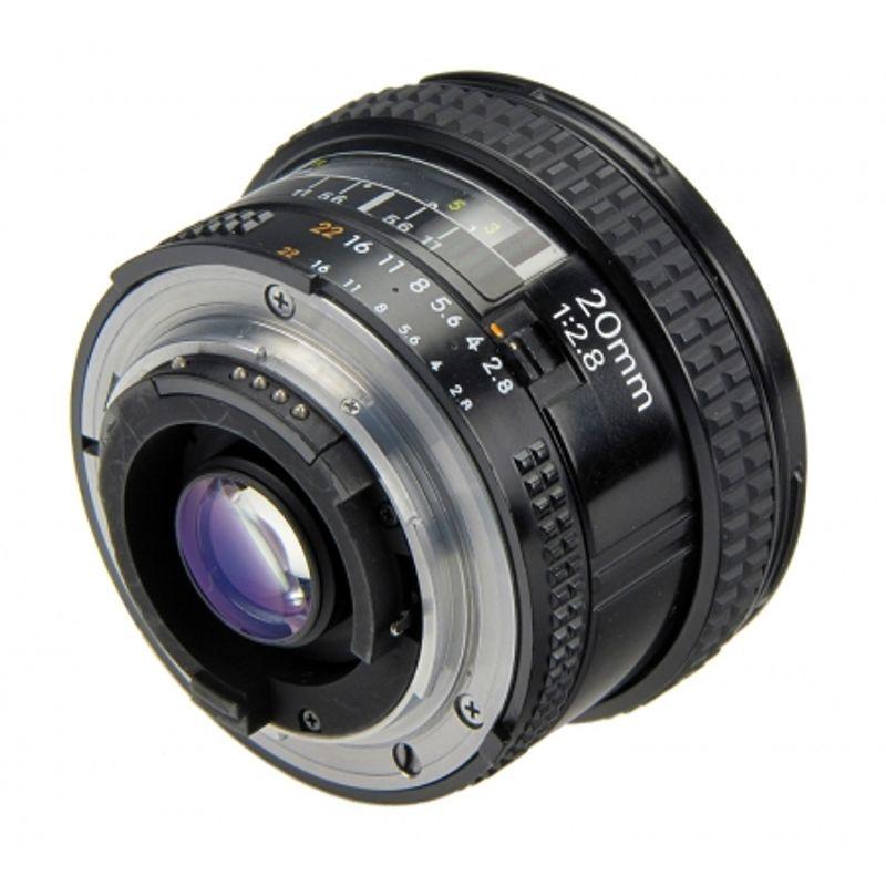 nikon-af-20mm-f-2-8-uv-kenko-10344-3