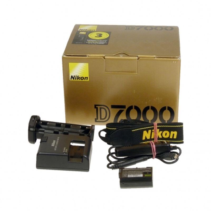 nikon-d7000-body-grip-pixel-sh4795-1-32785-6
