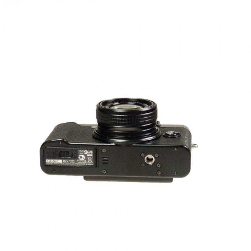 fujifilm-x10-black-sh5851-43448-3-943