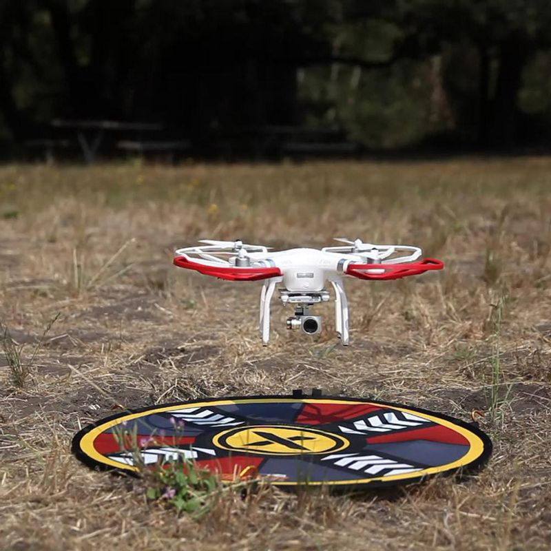 DJI-drone-hovering-over-FlatHat-80cm-drone-pad-1000x