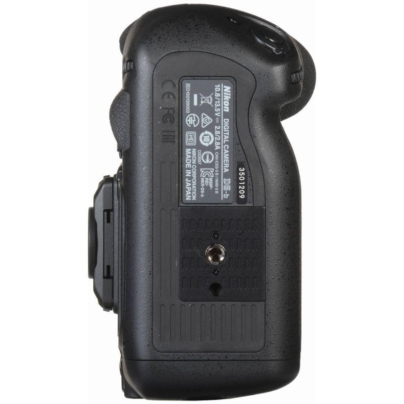 Nikon-D5-parte-jos-1-