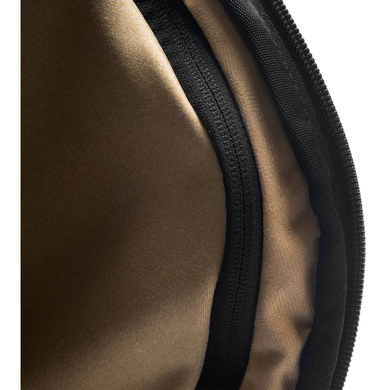 Peak-Design-Everyday-Backpack-Rucsac-20L-Negru.5