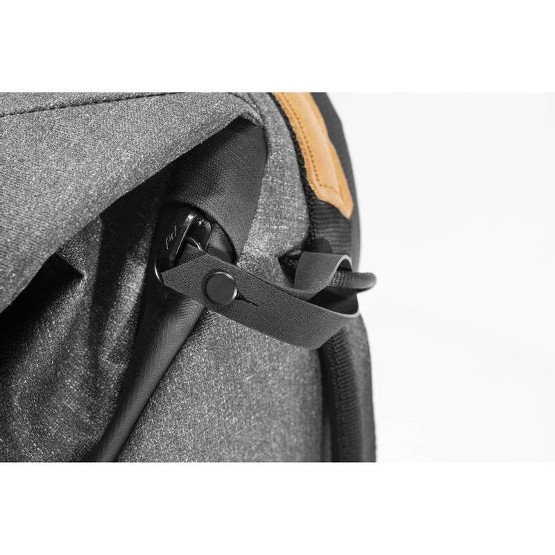 Peak-Design-Everyday-Backpack-v2-Rucsac-Foto-20L-Charcoal.5