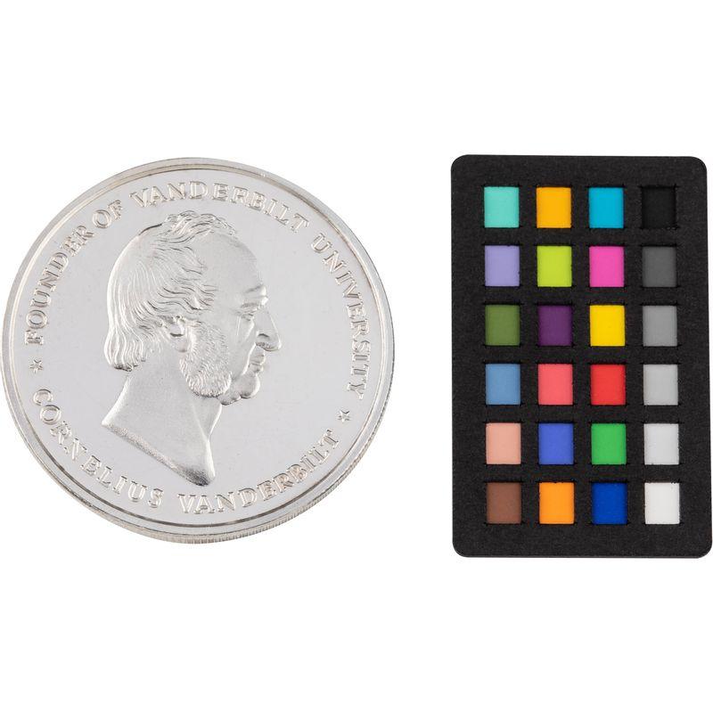 X-Rite-ColorChecker-Nano--6-